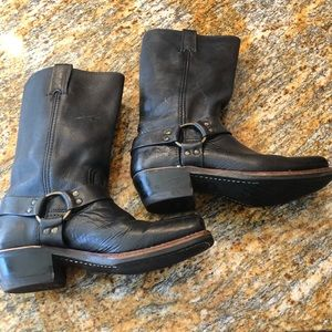 Frye black pull on harness boots - size 9